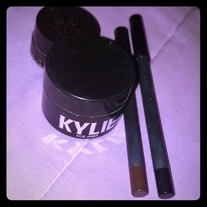 Kylie Jenner Cosmetics Makeup Bundle